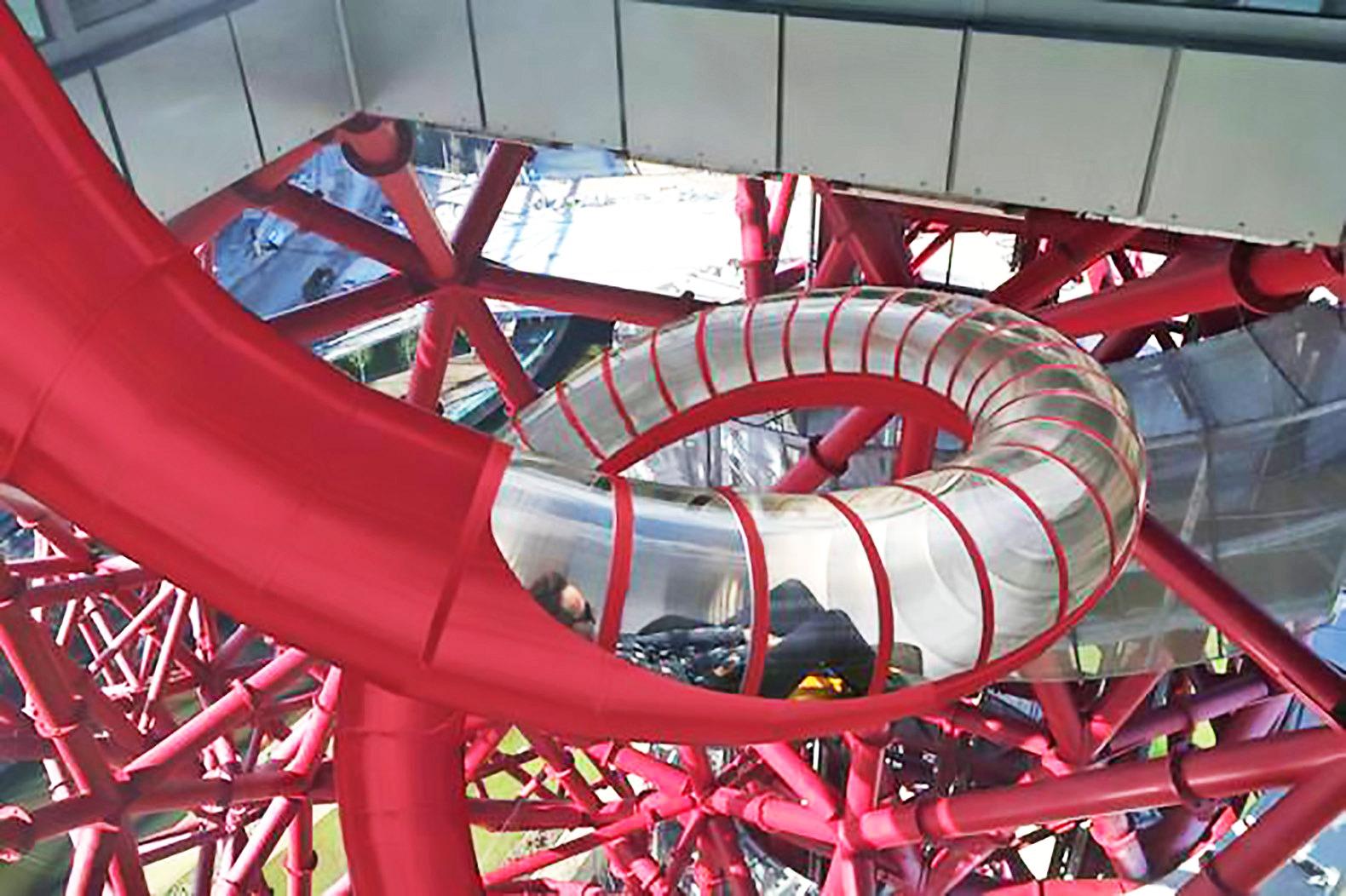 ArcelorMittal Orbit o tobogã mais alto e mais longo do mundo em Londres