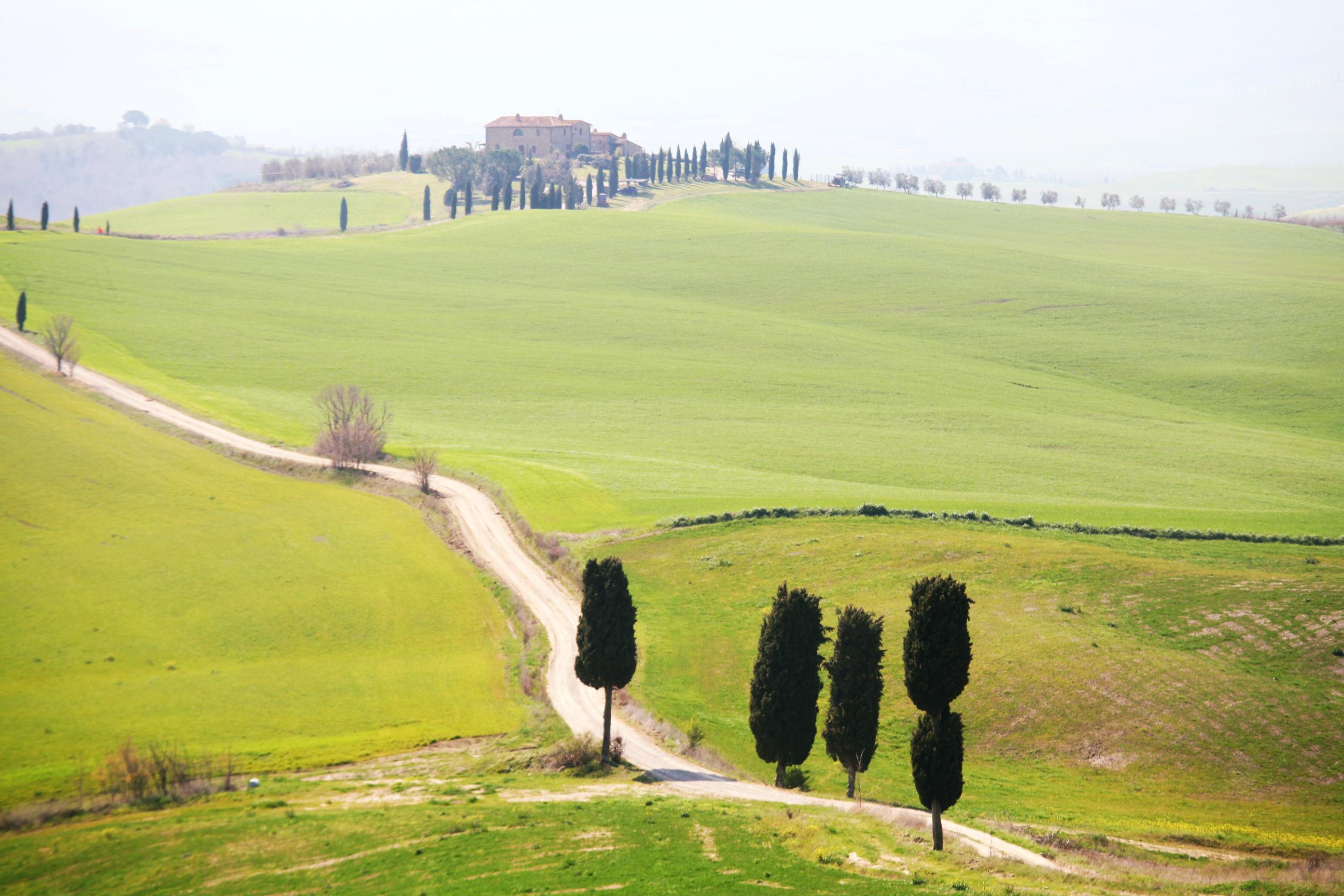 Conhecendo as belezas da Toscana de carro –  Itália