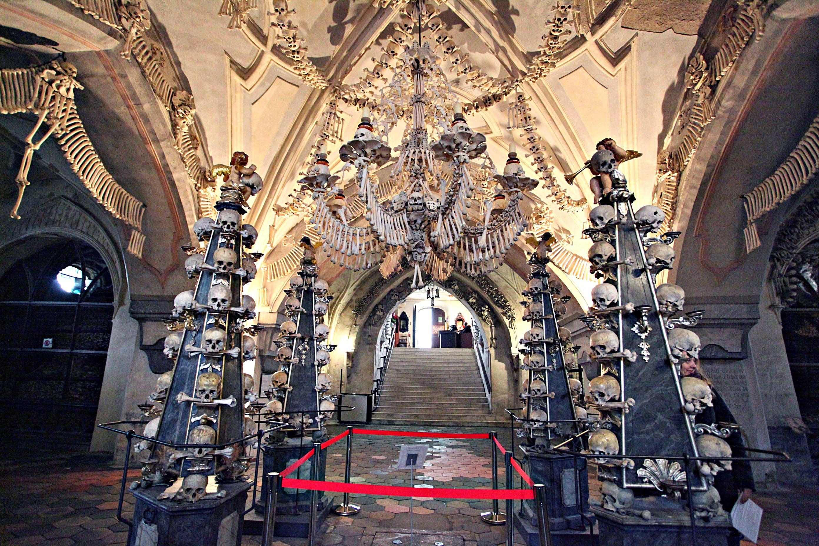Kutná Hora e a igreja de ossos em Sedlec! República Tcheca!