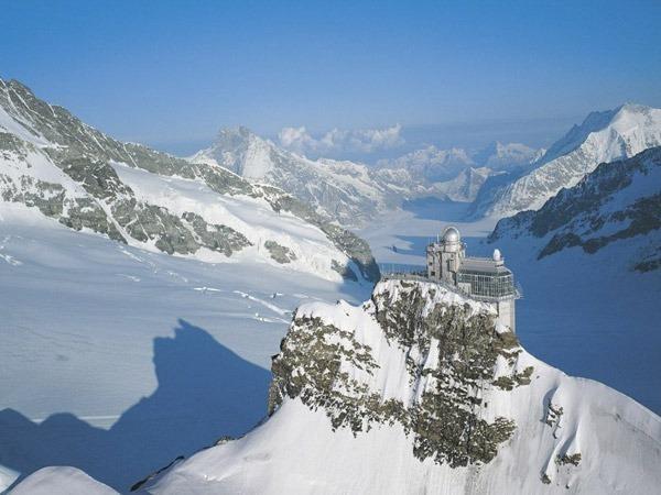 Um passeio de trem panorâmico para Jungfraujoch – The Top of Europe!