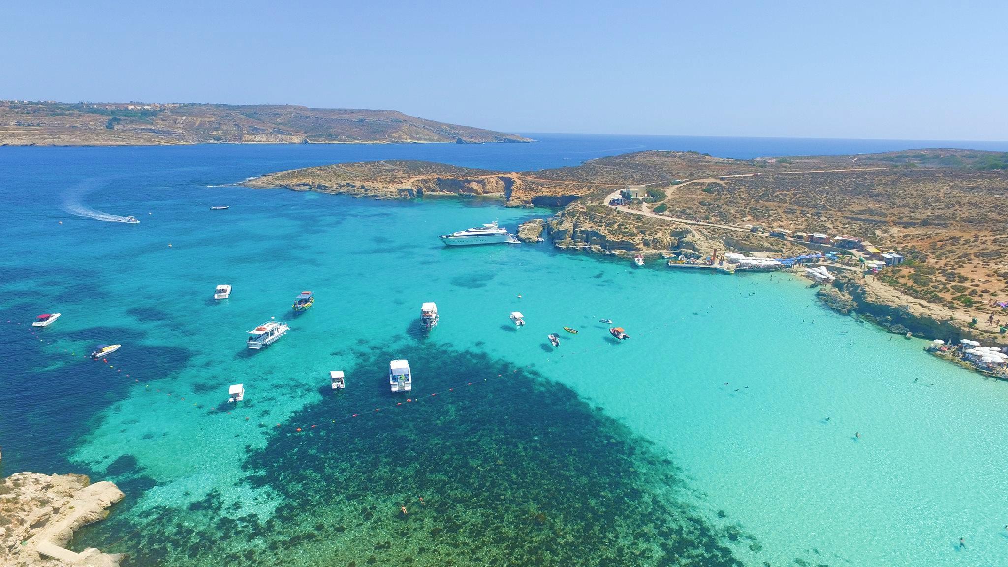 O que fazer em Blue Lagoon, Comino? Como chegar lá a partir de Malta?