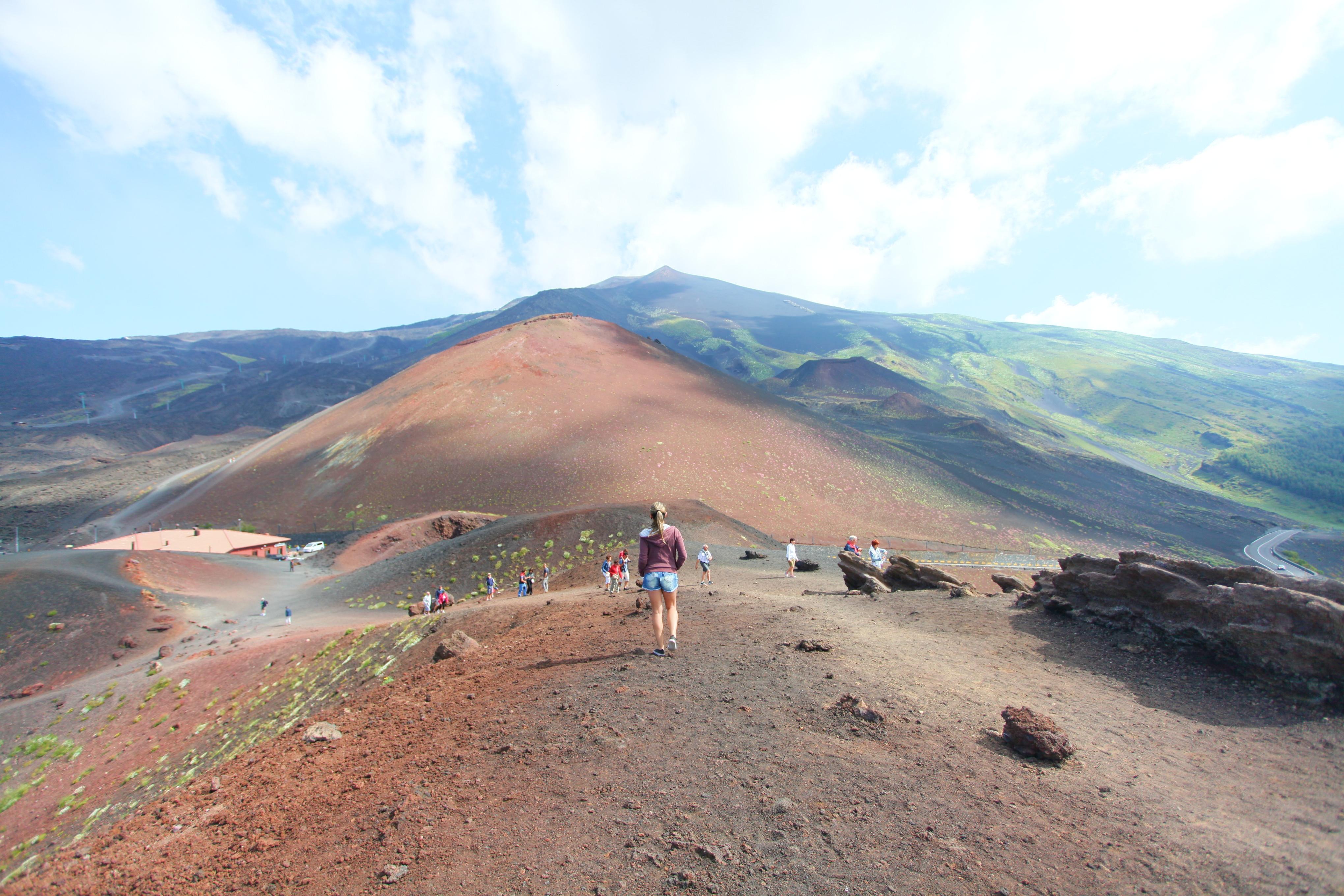 Como visitar o Vulcão Etna por conta própria?  Sicília, Itália!